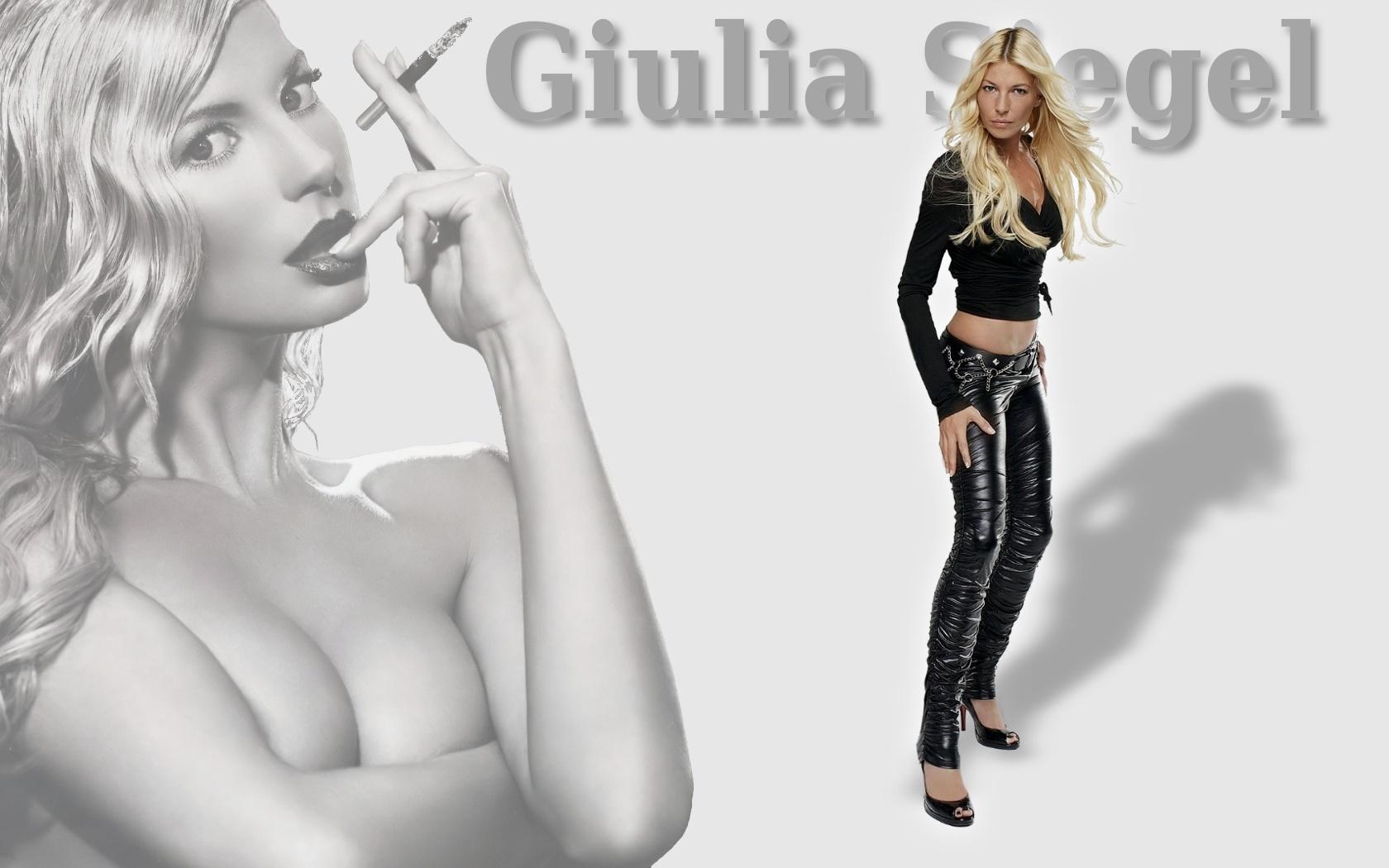 Giulia Siegel - Photo Colection