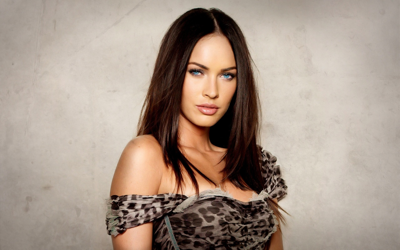 Megan Fox Fashion Backgrounds