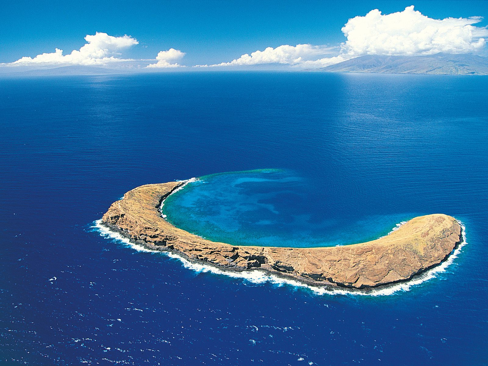 Molokini Crater Maui Hawaiian Islands Backgrounds