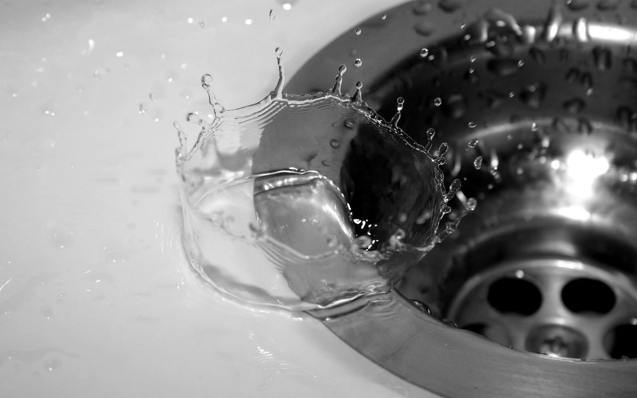 Splash In The Sink Backgrounds