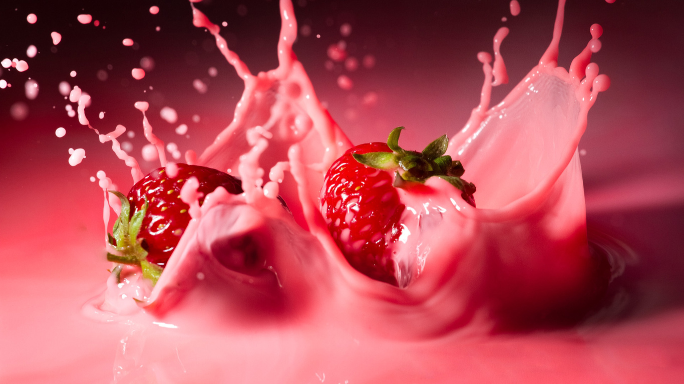 strawberries splashes and drips