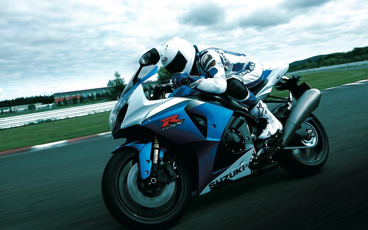 Suzuki GSX R1000 Racing Backgrounds